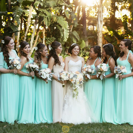 An Outdoor Shot of Bridesmaids in Teal